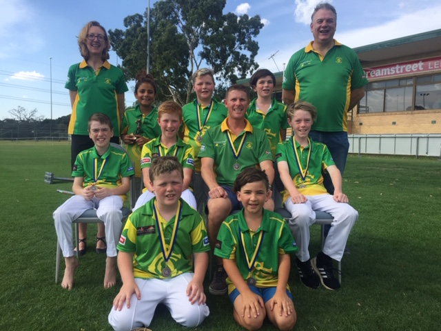 Our victorious under 11 boys, premiers in 2018/19.